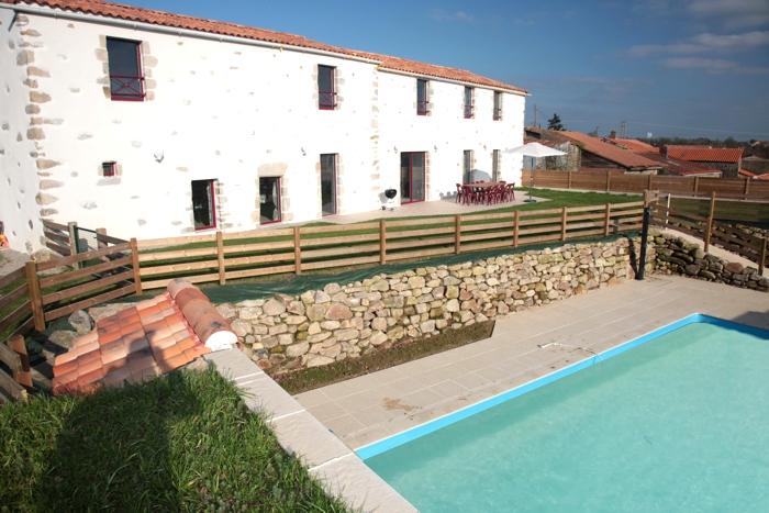 Gite de groupe le Logis la piscine chauffée privée en Vendée