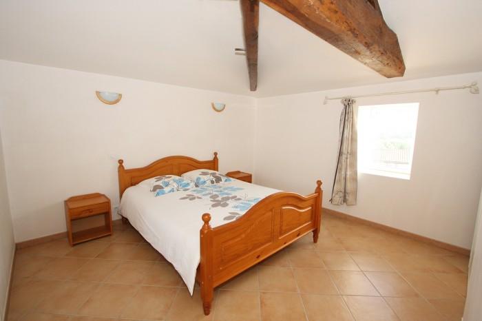 Gîte la Vallée 6 personnes chambre à l'étage avec un lit de 160 en Vendée