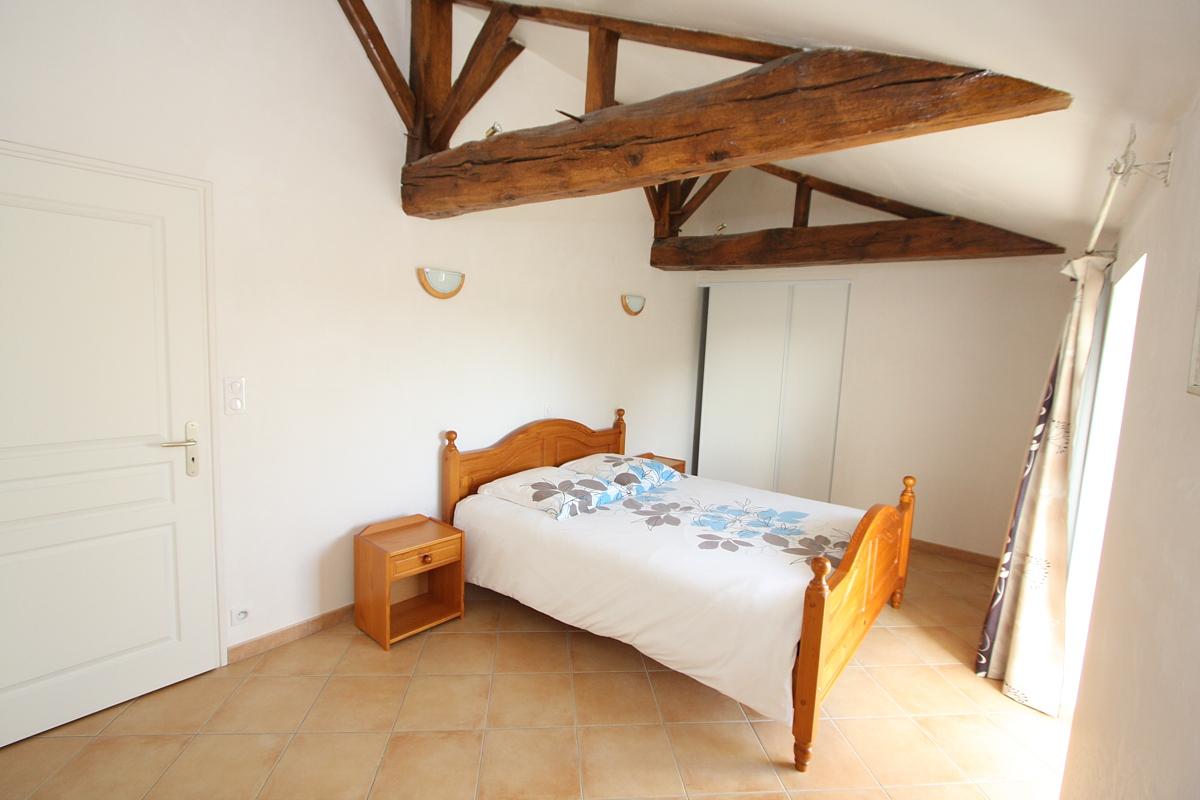 Gîte la Vallée chambre un lit de 160 en Vendée