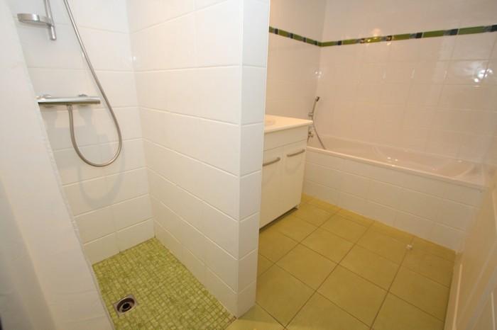 Gîte la Vallée 6 personnes salle de bains avec douche en Vendée