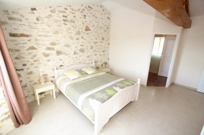 La chambre lit 160 gite de groupe le Logis 10 à 12 personnes en Vendée