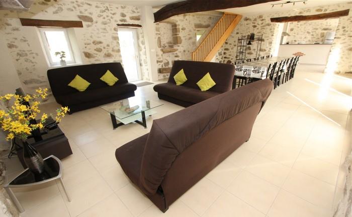 Le salon du gite de groupe le logis en Vendée