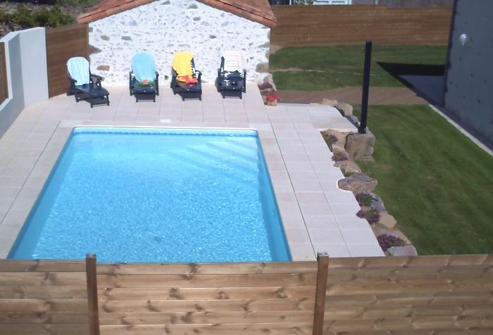 Gite la Vallée avec piscine chauffée privative